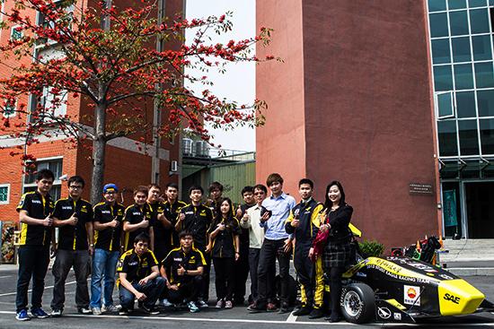 出國比賽! 清大生打造F1賽車 - Dailymotion影片_插圖